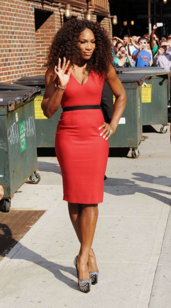 Serena-Williams-in-red-dress-01